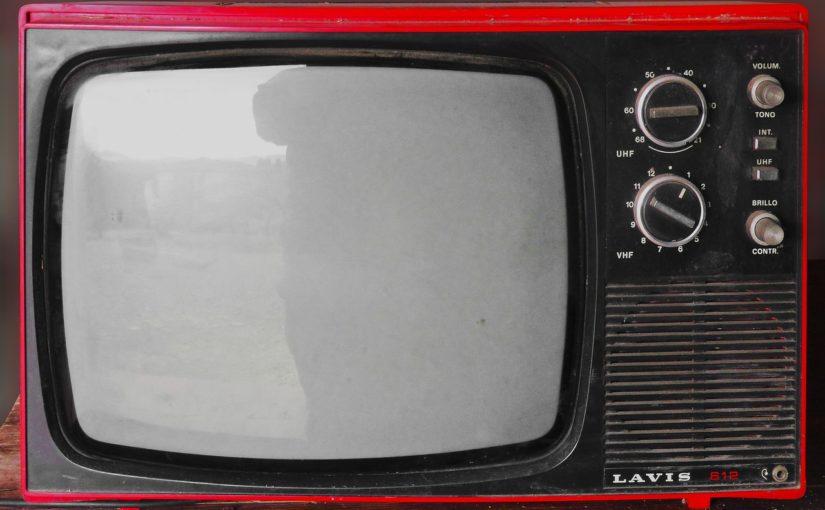 Wspólny wypoczynek przed tv, czy też niedzielne filmowe popołudnie, umila nam czas wolny oraz pozwala się zrelaksować.